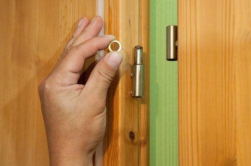 Ремонтируем двери самостоятельно