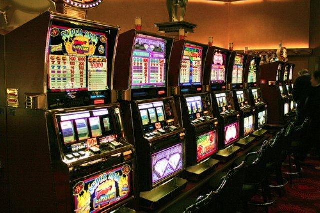 Лучшие игровые автоматы предлагает казино Магнит слот