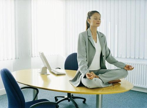Гимнастика в офисе: восстанавливаем силы за 15 минут