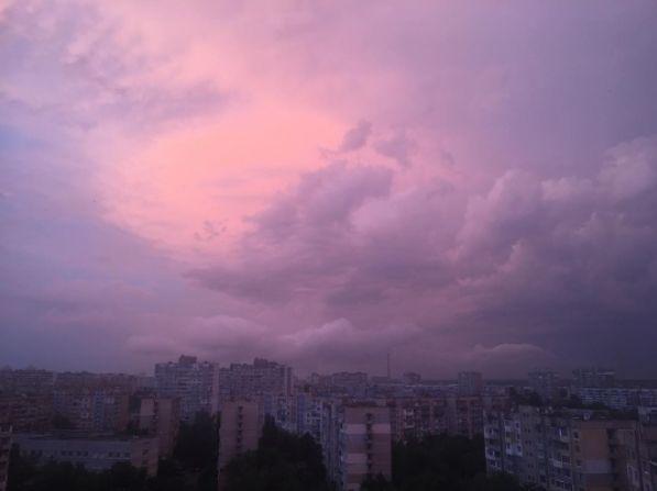 Утренняя гроза в Киеве – невероятные кадры
