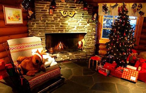 Наряжаем рождественскую елку